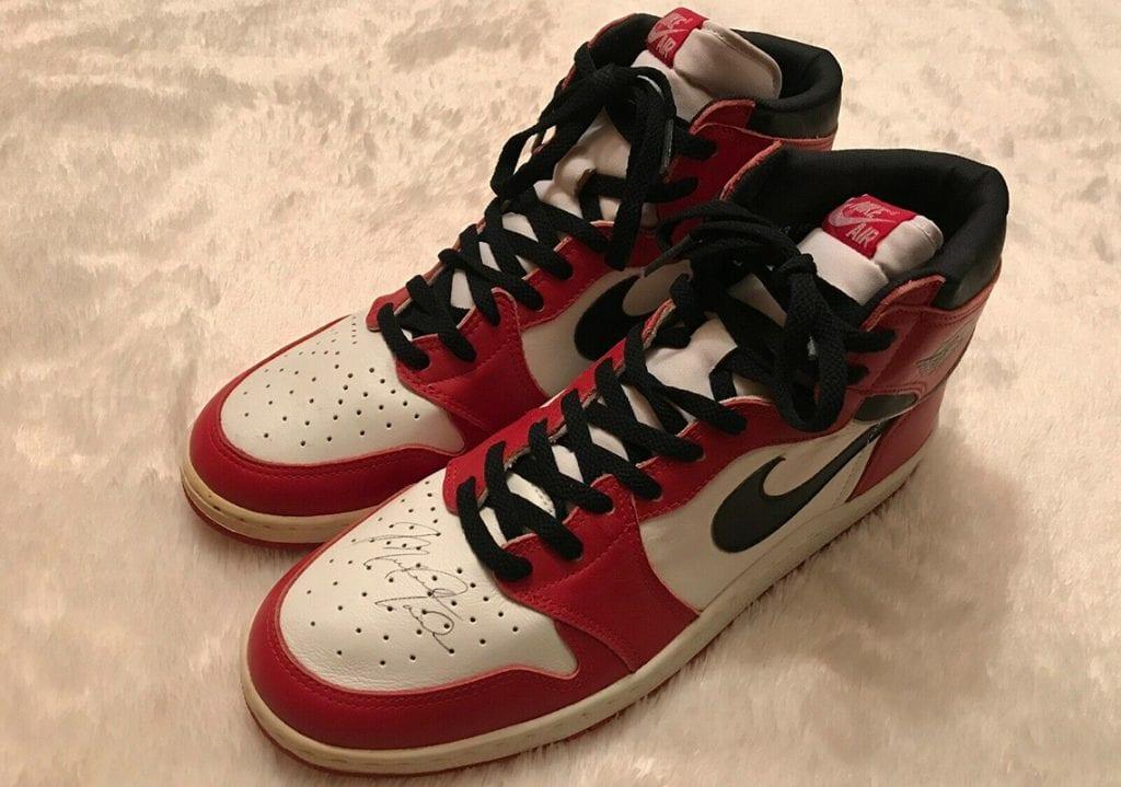 Unas Air Jordan 1 Sin Usar Firmadas Por Jordan A La Venta Por Un Millón De Dólares