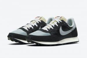 Nike Challenger OG En 'Dark Smoke Grey'