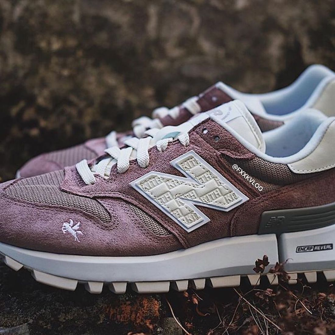 Kith X New Balance RC_1300 En Ante Color Malva