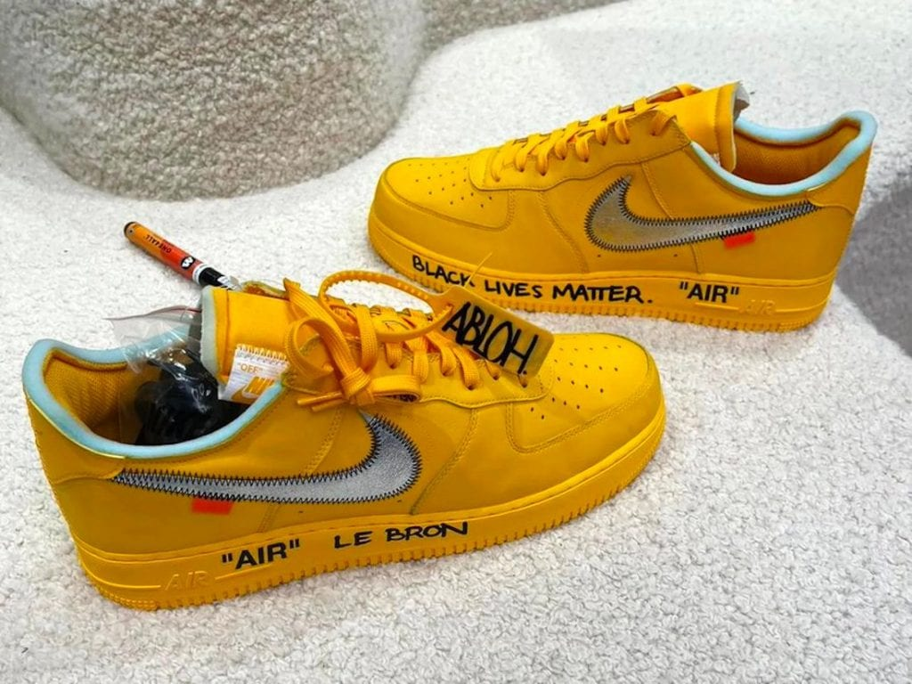 Off-White X Nike Air Force 1 Low 'University Gold' En Los Pies De Lebron