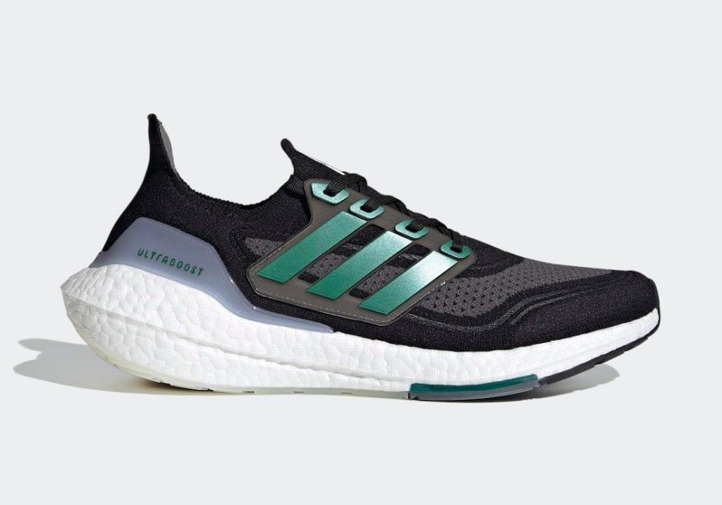 Adidas Ultra Boost 2021 En Negro Y Verde Oscuro