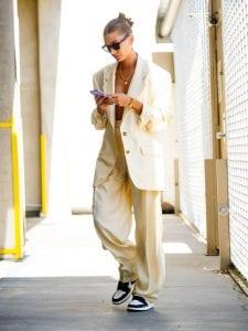 Hailey Bieber Avistada Con Unas Air Jordan 1 High Dark Mocha?