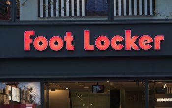 Foot Locker mil millones dolares compra tiendas atmos wss